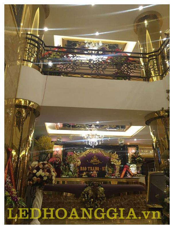 Thi công sảnh, hành lang, cầu thang, quầy Bar, thu ngân, WC cho KARAOKE - BAR