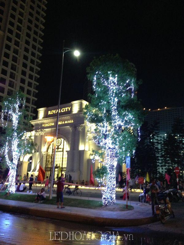 Trang trí tòa nhà, trang trí cây