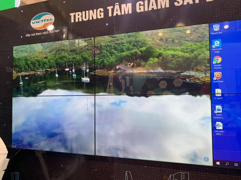màn hình ghép 55inch LG, viền ghép 3,5mm